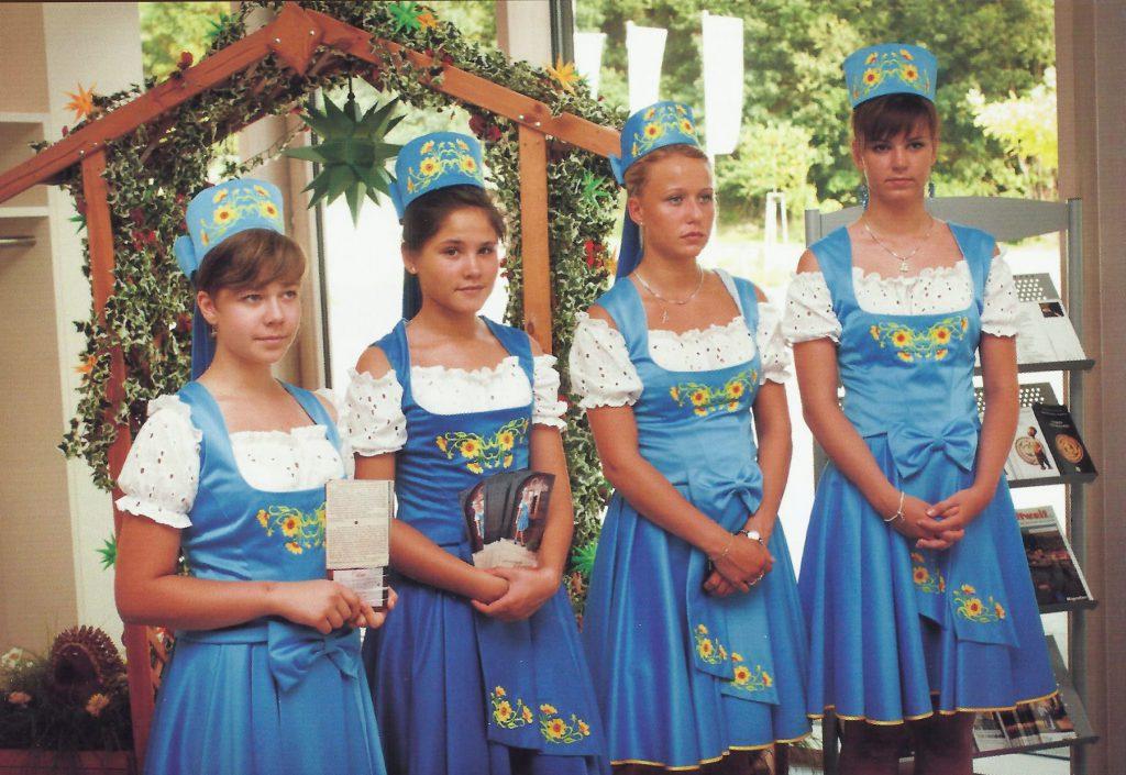 Oberlausitzer Mädel im Kostüm, Foto: Gerd Münzberg Oberlausitzer Frühling